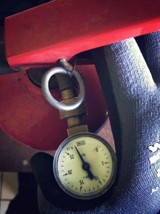 ciśnienie w gaśnicy proszkowej