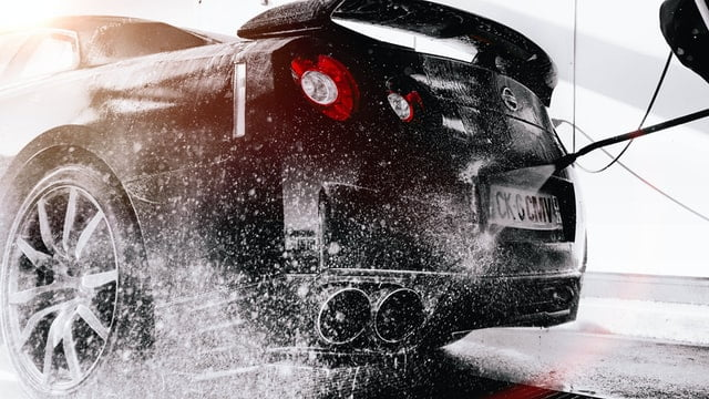 sprzątanie samochodów
